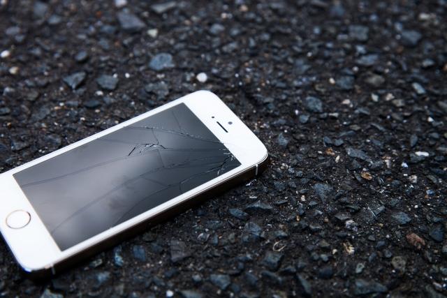 落としたiPhone
