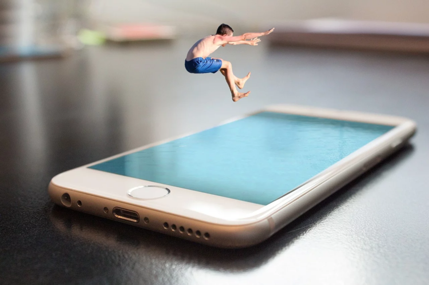 iphoneの防水と耐水の違い